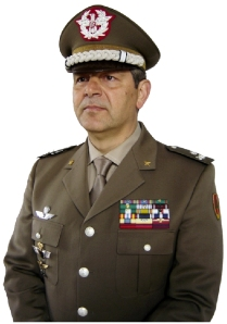 """Gen. B. Emanuele Sblendorio, C.te del CME """"Puglia"""""""