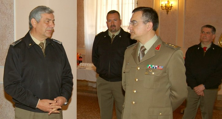 Il Gen. B. Emanuele Sblendorio ed il Ten. Col. Vincenzo Legrottaglie
