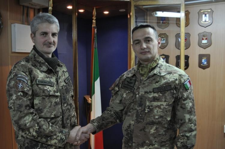da sx il Ten.Col. Antonio IMBIMBO (subentrante) ed il Ten. Col.Vincenzo TUCCI (cedente).1
