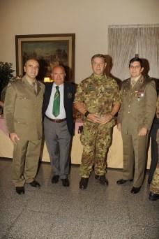 La Delegazione UNUCI , Amm.Dammicco, Ten.DiConno e Ten.Cianciola con il Gen.Sblendorio , Comandante del CME