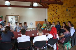La delegazione incontra le associazioni dei giovani