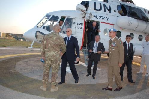 arrivo del sottosegretario De Mistura nella base italiana in Libano