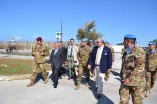 Arrivo del Sottosegretario alla Difesa, Gianluigi Magri. - Foto di Fabia Martina