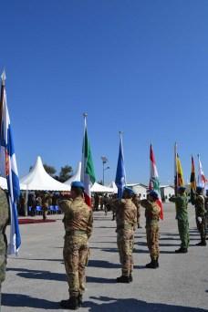 Le bandiere del contingente multinazionale - Foto di Fabia Martina