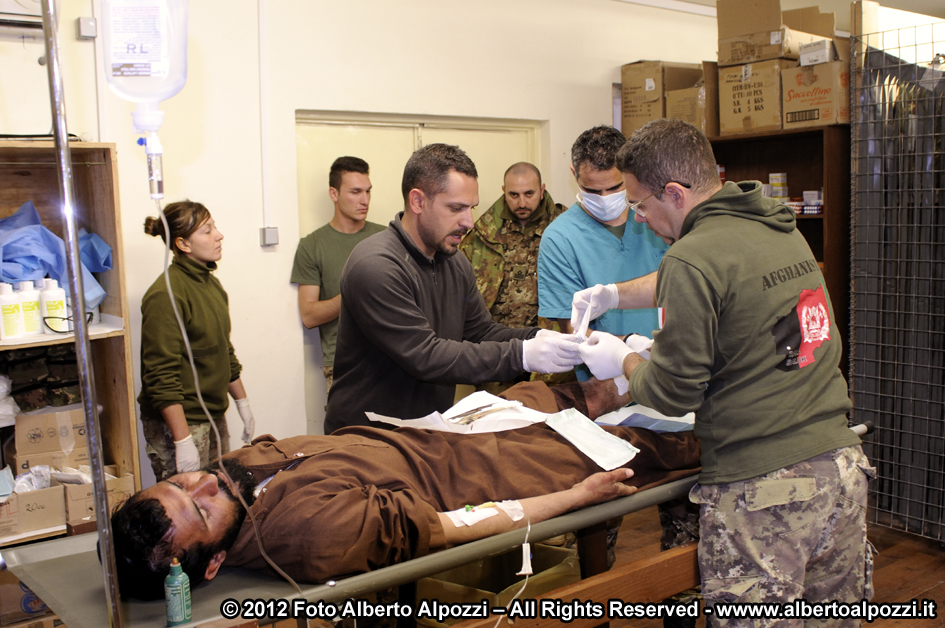 Afghanistan/ Intervento medico d'urgenza e ferite d'arma da fuoco (4/6)