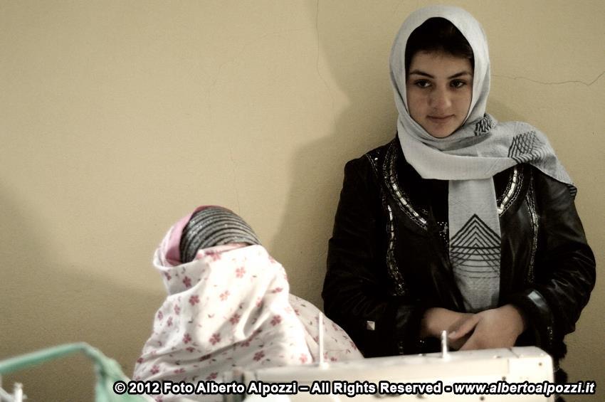 Afghanistan/ Il mercatino di Natale del carcere femminile di Herat (5/6)