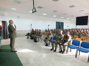 il Generale di Corpo d'Armata Roberto Bernardini, Comandante delle Forze Operative Terrestri di Verona