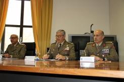 """Al centro il Gen. B. Emanuele Sblendorio, C.te CME """"Puglia"""""""