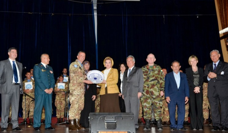 Italian peacekeepers in Lebanon...historical backgroundsfoto di gruppo