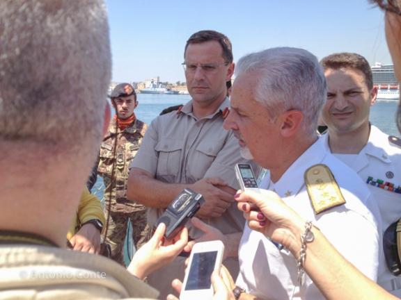 L'Ammiraglio di Squadra Filippo Maria Foffi, Comandante CINCNAV nell'intervista congiunta con il Comandante delle Forze Armate di Malta (AFM), Brigadier Martin G. Xuereb.