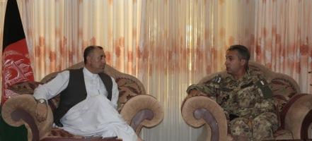 01. il governatore di Farah, Mohammad Omar Sherzad e il colonnello Mauro Sindoni