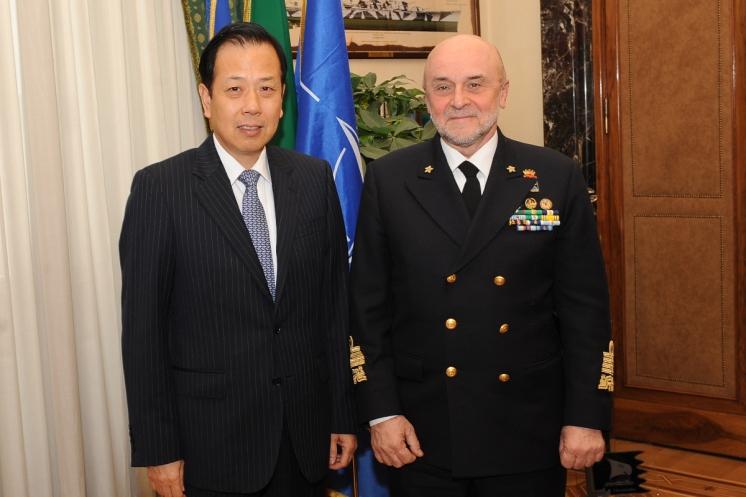 Il Capo di Stato Maggiore della Difesa riceve in visita l'Ambasciatore della Repubblica Popolare Cinese, Ambasciatore Li Ruiyu