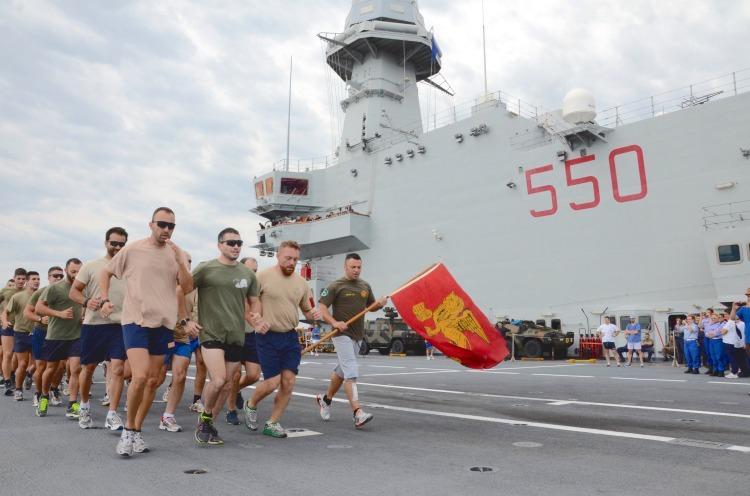 Il 30° Gruppo Navale attraversa l'equatore (2)