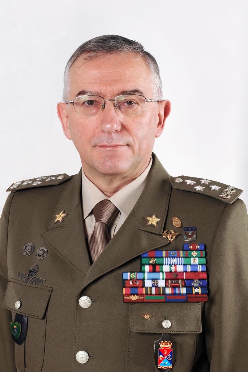 Curriculum Vitae/ Il Generale Claudio Graziano