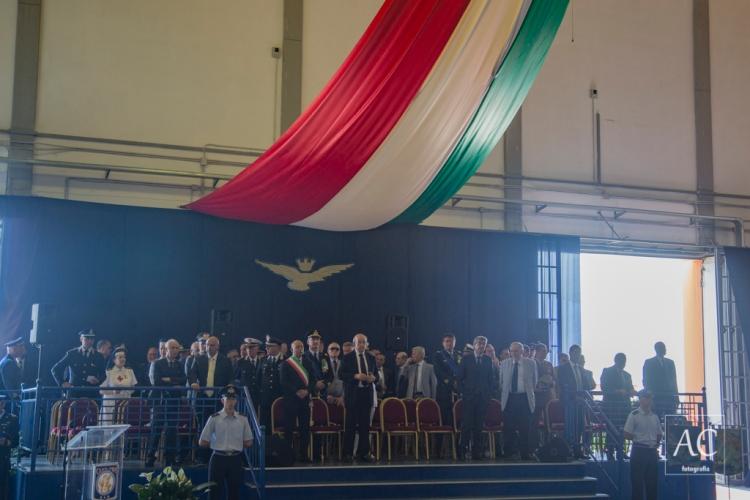 https://antonioconteph.wordpress.com/2016/07/15/bari-aeroporto-militare-di-palese-reportage-cambio-al-vertice-delle-scuole-dellaeronautica-militare/