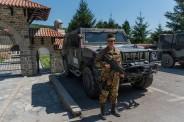 militare italiano di vigilanza al sito protetto del Monastero di Decane