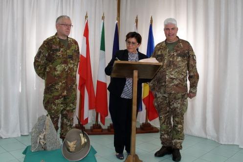 da sinistra, il Capo di SMD, Gen. Graziano, il Minsitro della Difesa Trenta e il Col. Cucchini, c.te del MNBG-W