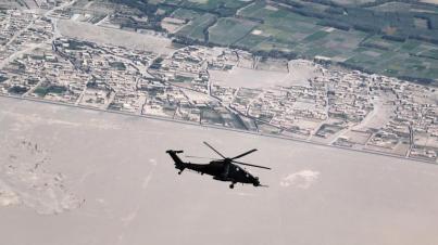 Foto 4 - A 129 durante il volo scorta