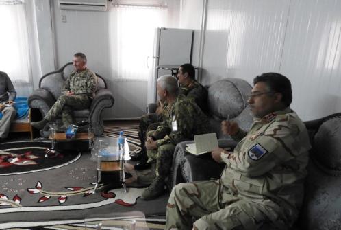 Foto 4 - riunione con autorità militari