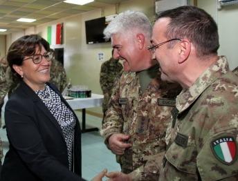 Il Ministro Trenta, il Col. Cucchini ed un militare del MNBG-W 1