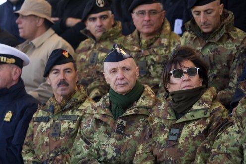 la Ministro Trenta con il Capo di Stato Maggiore Difesa Vecciarelli e il Capo di Stato Maggiore Esercito Farina
