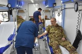 i militari che donano